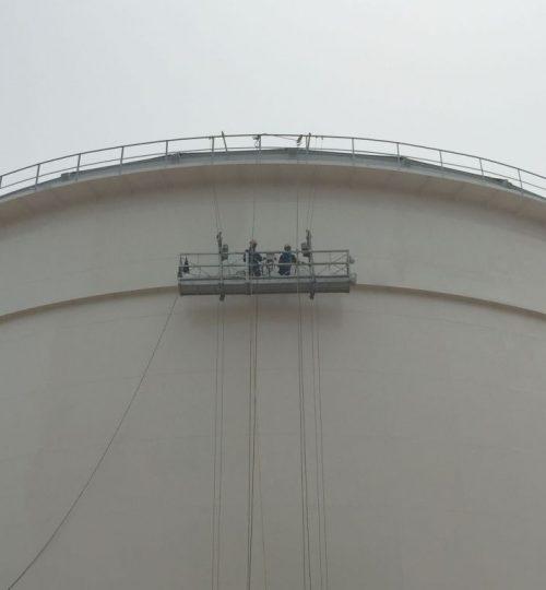 Gondola on oil tank